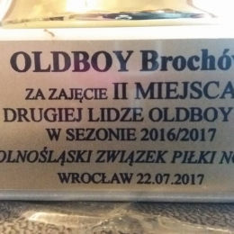 Odbiór pucharu za zajęcia II miejsca w II lidze Oldboy