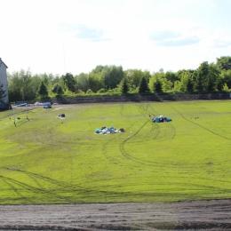 Zdewastowane boisko Błękitnych