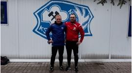 Trener Piotr Górski szkoli się i podnosi umiejętności w III-ligowym Górniku Konin