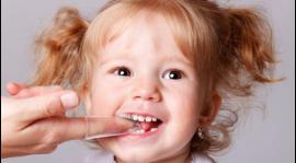 牙齒出現發黃並且又不想去洗牙?