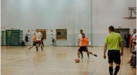"""""""Po sezonie na trawie, bawimy się w futsal"""" - trener Domalewski o grze Narwi w futsalowym pucharze"""