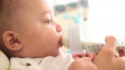 如何判斷喝奶粉過敏? 你可以從嬰兒的行為判斷