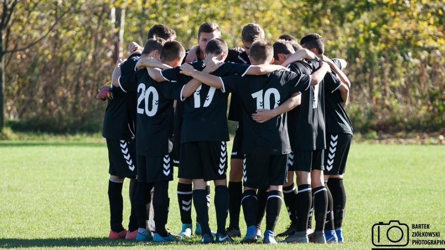 U17: Wyrównany mecz w Gdowie, zabrakło skuteczności...