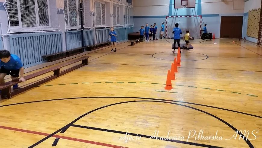 Akademia Piłkarska AMS trenuje na Hali