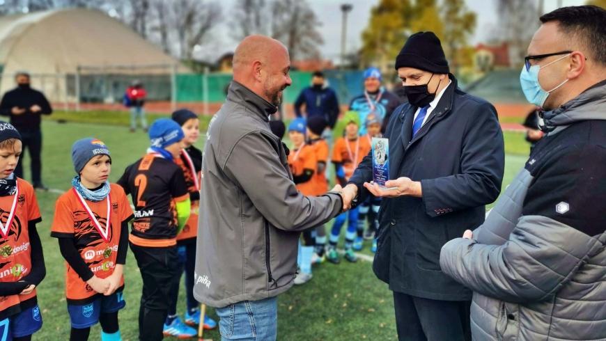 Trener Mrozik z nagrodą od Podokręgu Dębica