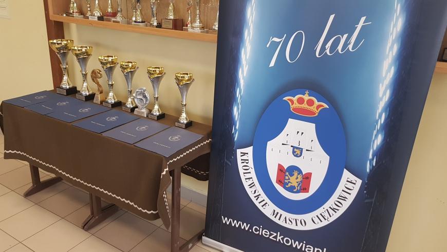 TUCHOVIA Tuchów wygrywa w XVII Halowym Turnieju Piłki Nożnej - Ciężkowice 2020