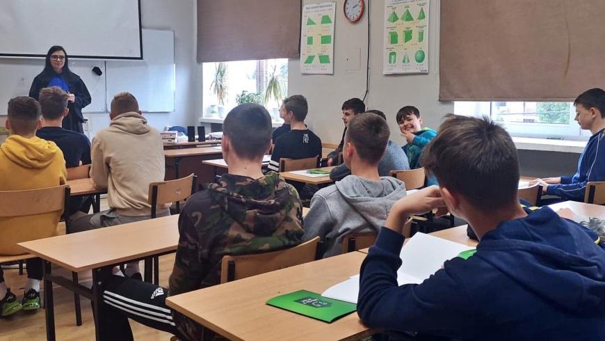 Lekcje z Temidą w MSMS Piłkarskie Nadzieje